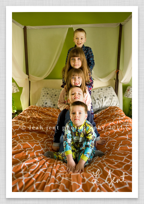 kids in a pyramid | dayton ohio childrens photography