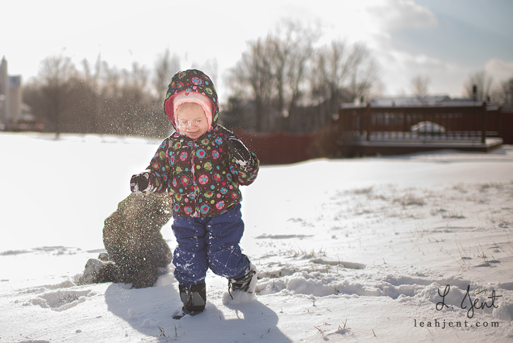 toddler snowball fight